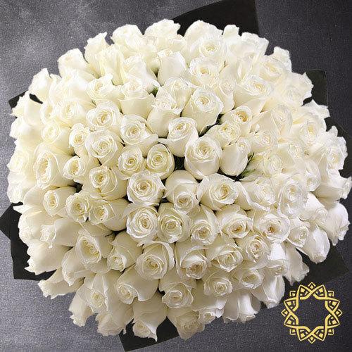100 White Roses by Rose Privée
